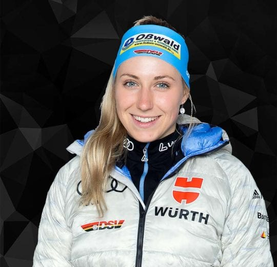 Wintersportlerin Antonia Fräbel, Portraitfoto der DSV Athletin